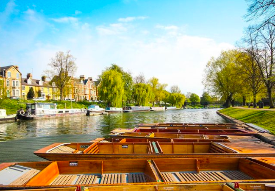 Punting along the River Cam to Grantchester
